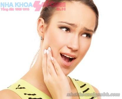 Tìm hiểu bệnh viêm quanh răng
