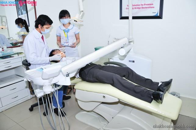 Tiêu xương, hóp má khi nhổ răng khôn?