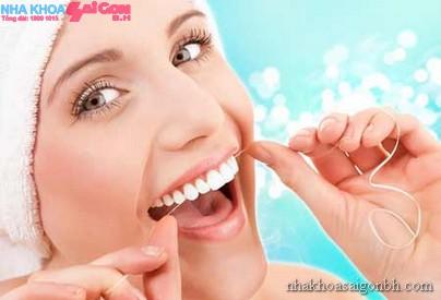 Cần lưu ý gì khi sử dụng hàm răng giả