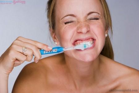 Nguyên nhân khiến răng xuống cấp