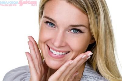 Niềng răng điều trị hô hàm trên có được không?