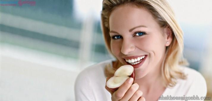 Cấy ghép implant bạn có thể thoải mái ăn những thực phẩm mình thích