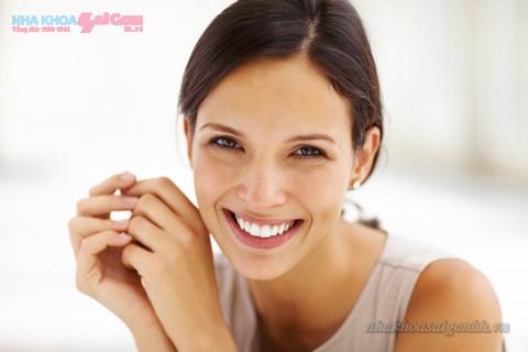 lấy cao răng mang lại nụ cười sáng bóng