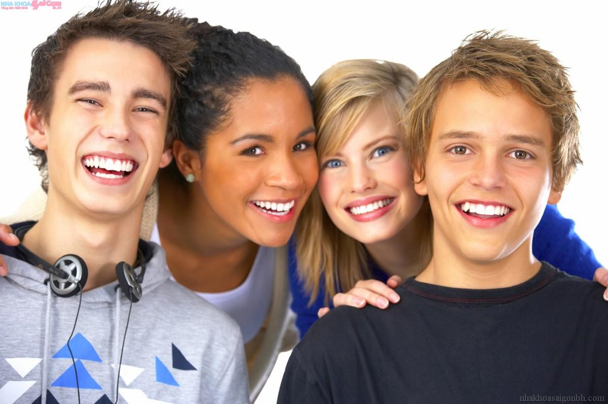 Người lớn có niềng răng thẩm mỹ được không?