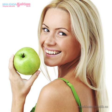 Để duy trì màu răng sau khi tẩy trắng nên ăn gì?