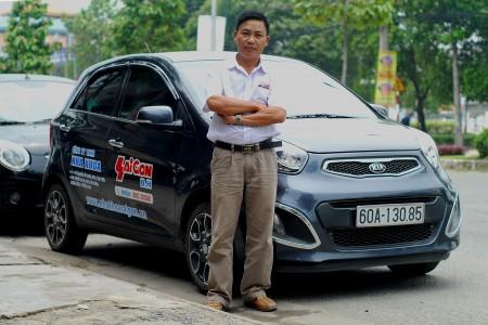 tài xế lái xe tại nha khoa Sài Gòn B.H