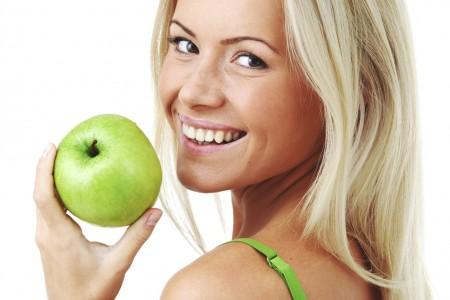 những thực phẩm nên ăn sau khi tẩy trắng răng