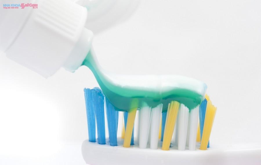Kem tẩy trắng răng có tác dụng gì tốt