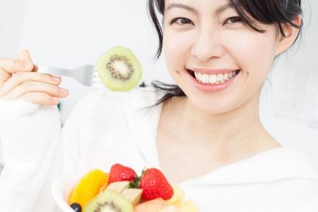 Chế độ ăn uống không hợp lý khiến răng dễ bị vàng