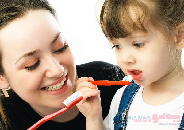 Giúp trẻ giữ thói quen chải răng để bảo vệ sức khỏe