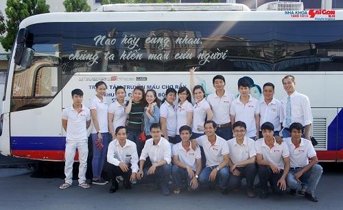 Tập thể nhân viên Nha khoa Sài Gòn B.H tham gia chương trình Hiến máu nhân đạo do Hội Chữ thập đỏ Biên Hòa tổ chức