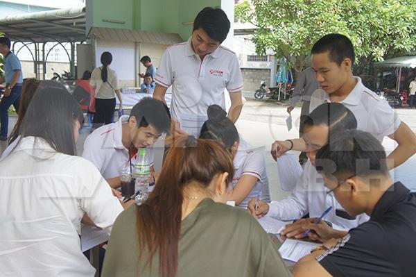 Làm hồ sơ hiến máu nhân đạo