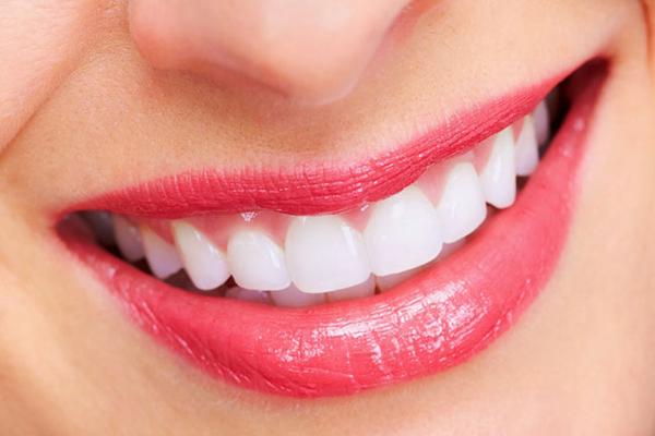 Răng vĩnh viễn mất gặp khó khăn gì khi trồng răng giả?