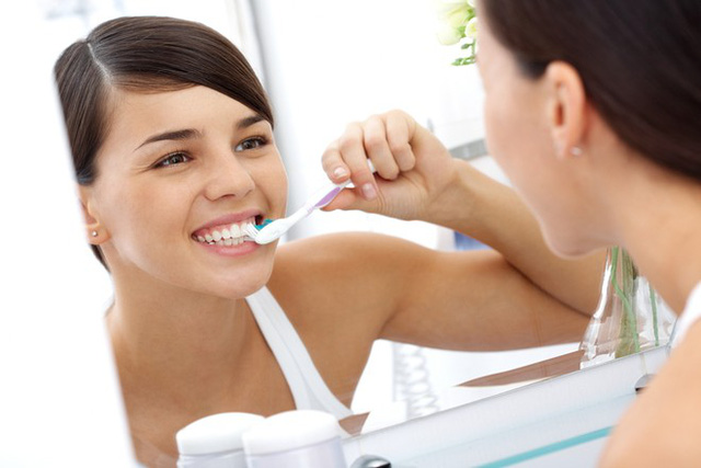 Mách bạn nên đánh răng khi nào là khoa học